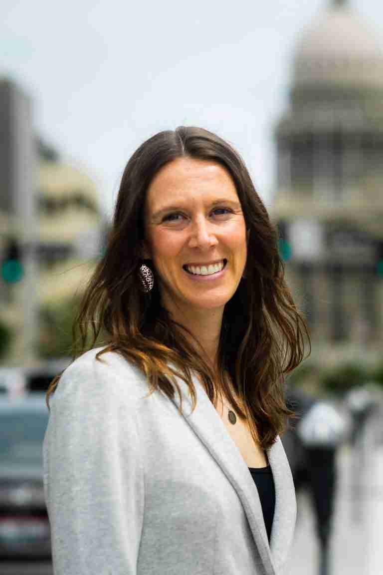 Headshot of Tia Nowacki